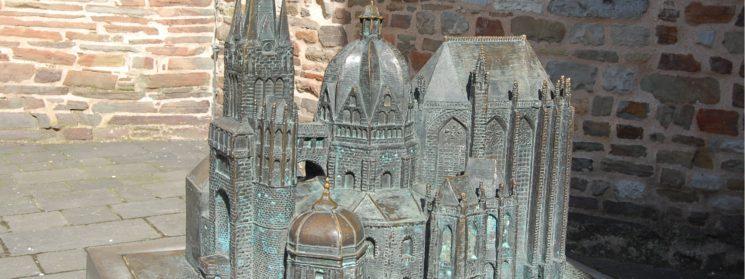Aachener Dom - die Kaiserpfalz von Odo von Metz