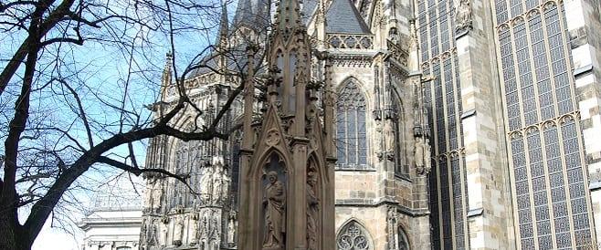 Vinzenzbrunnen am Aachener Münster
