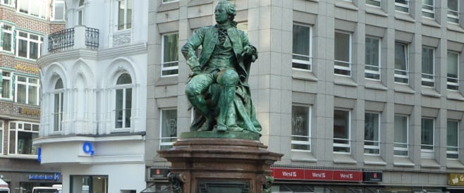 Lessing-Denkmal in Hamburg)
