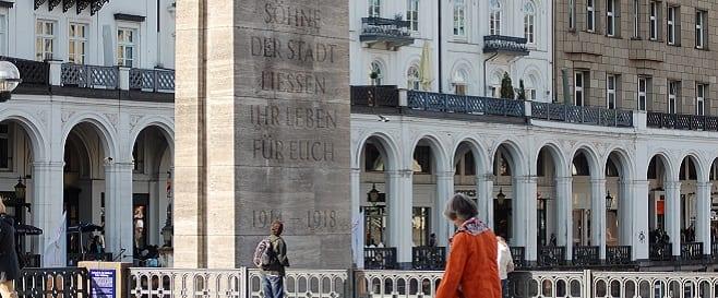 Hamburger Ehrenmal Barlachstele von Friedrich Bursch