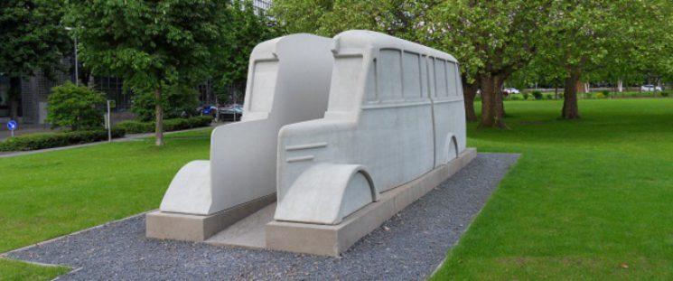 Grauer Bus - Denkmal in Köln