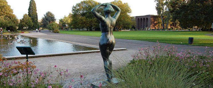 Rheinpark in Köln- Skulptur von Fritz Enke