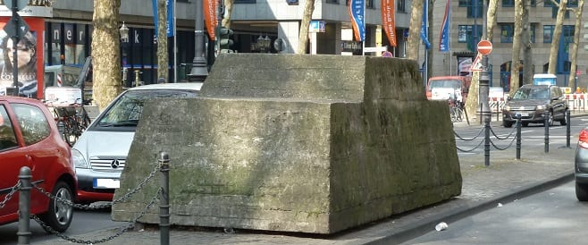 Ruhender Verkehr von Wolf Vostell in Köln