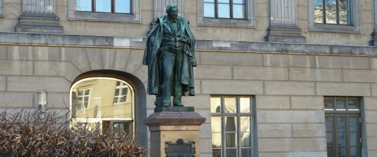 Eilhard Mitscherlich - Denkmal Berlin