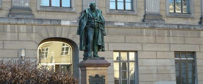 Eilhard Mitscherlich - Denkmal von Ferdinand Hartzer