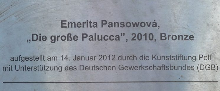 die große Palucca - Berlin Garnisonkirchplatz von Emerita Pansowová