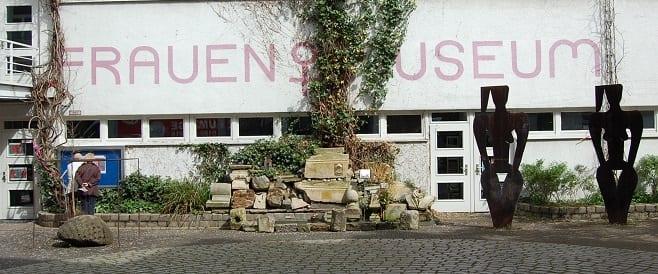 Frauen in Krieg und Frieden - Ausstellung im Frauenmuseum Bonn