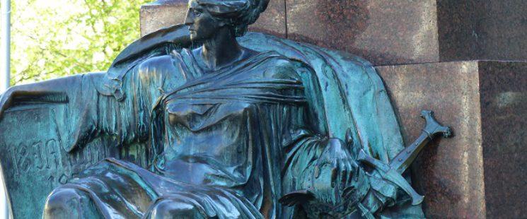Muse Klio des Bismarck Denkmal in Barmen