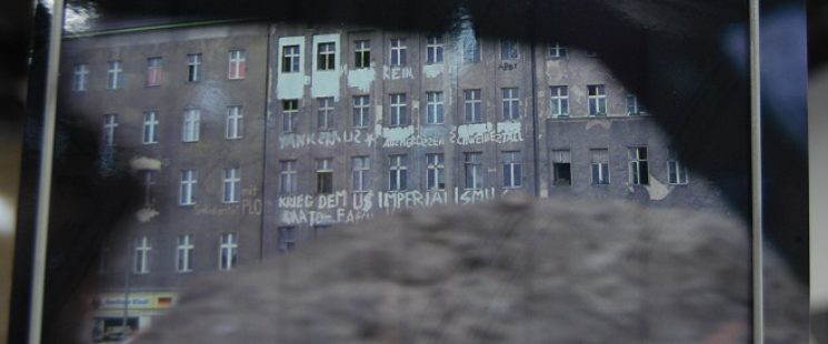 Blick durch die Berliner Mauer